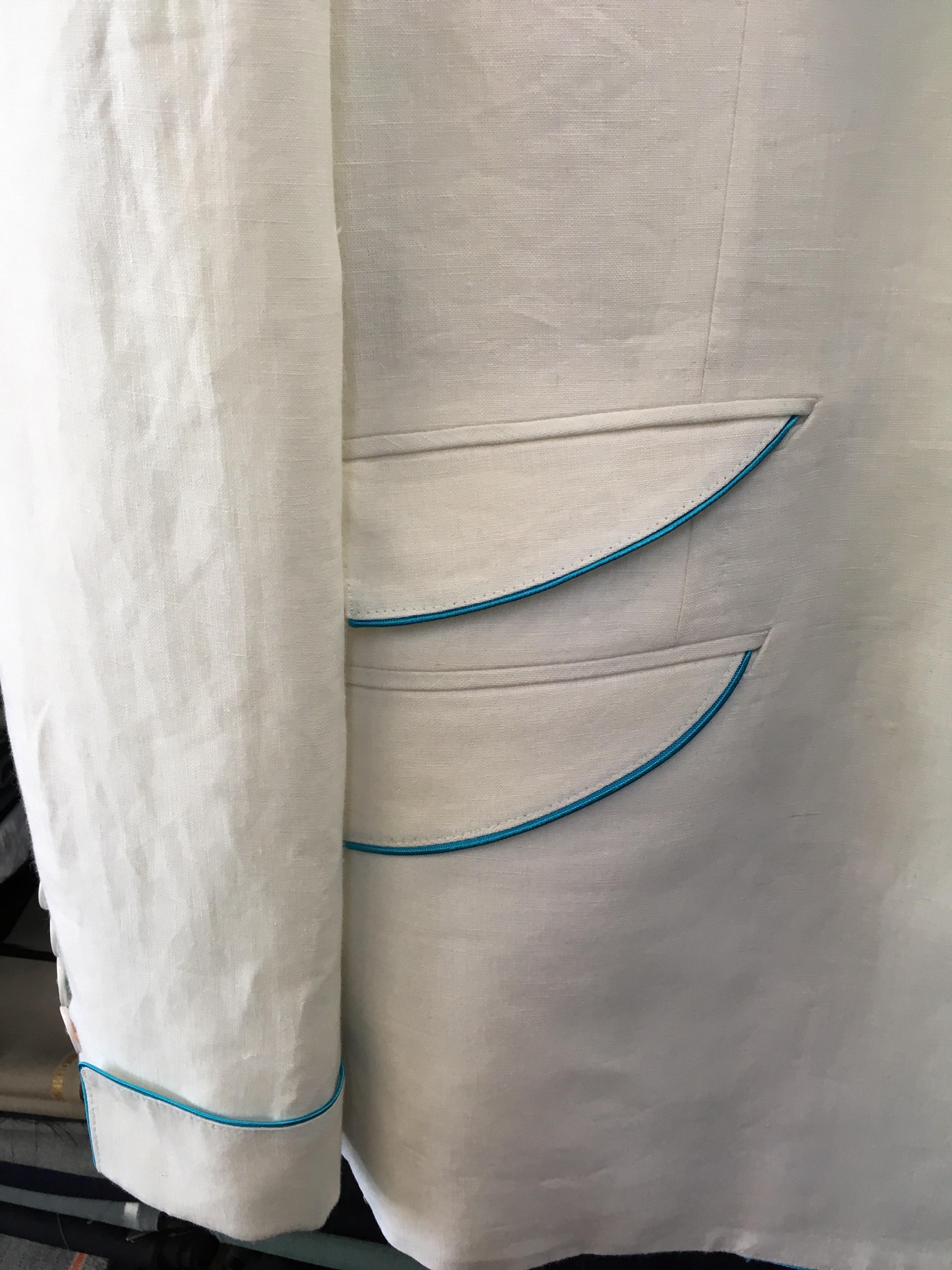 白の麻ジャケット