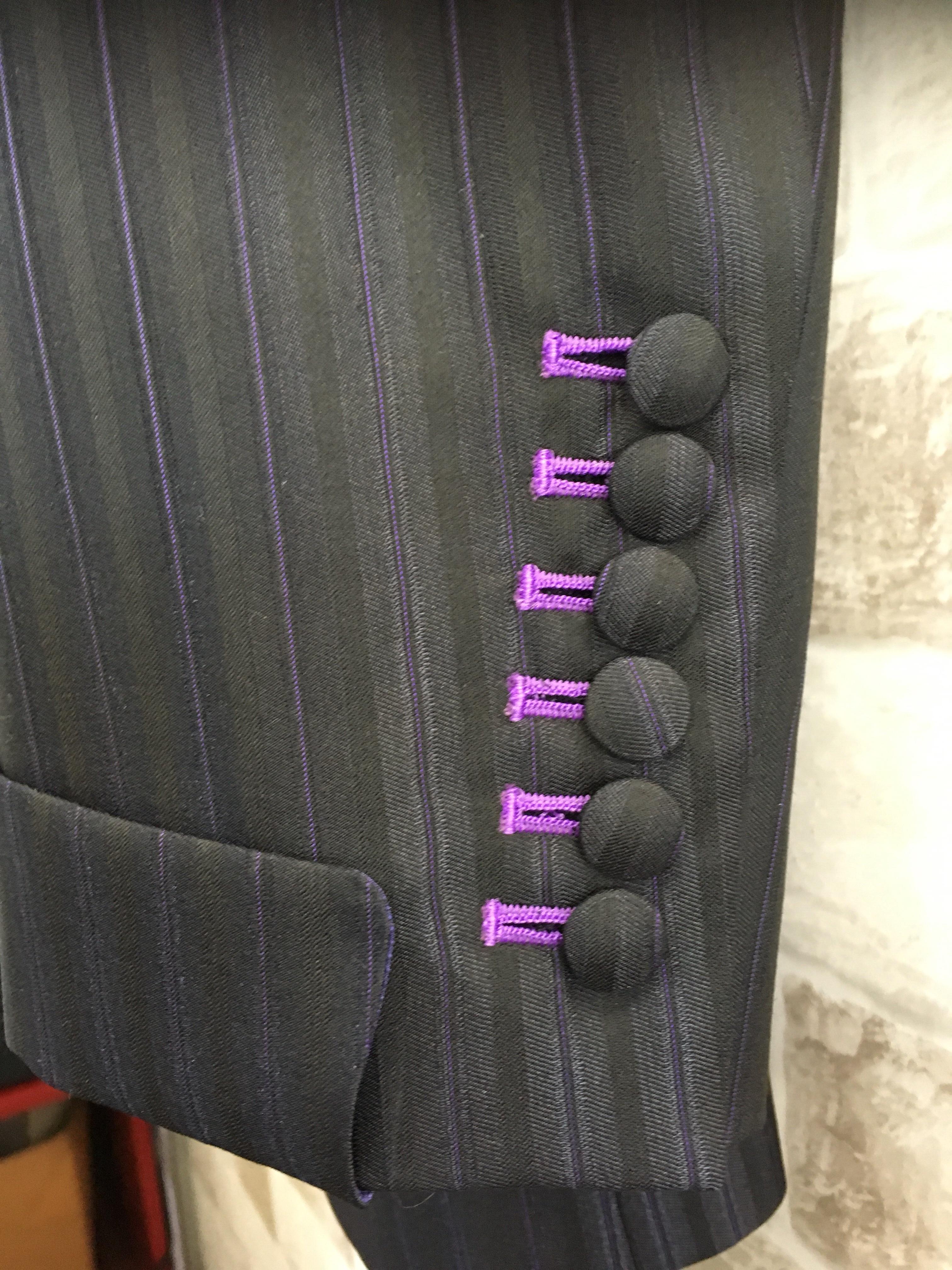 6つボタンオーダーモッズスーツ
