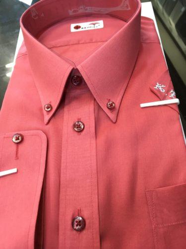真っ赤なシャツ