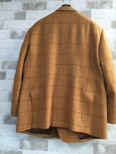格子のジャケット
