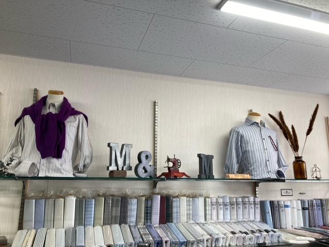 店内ディスプレイも秋冬らしくなりました。