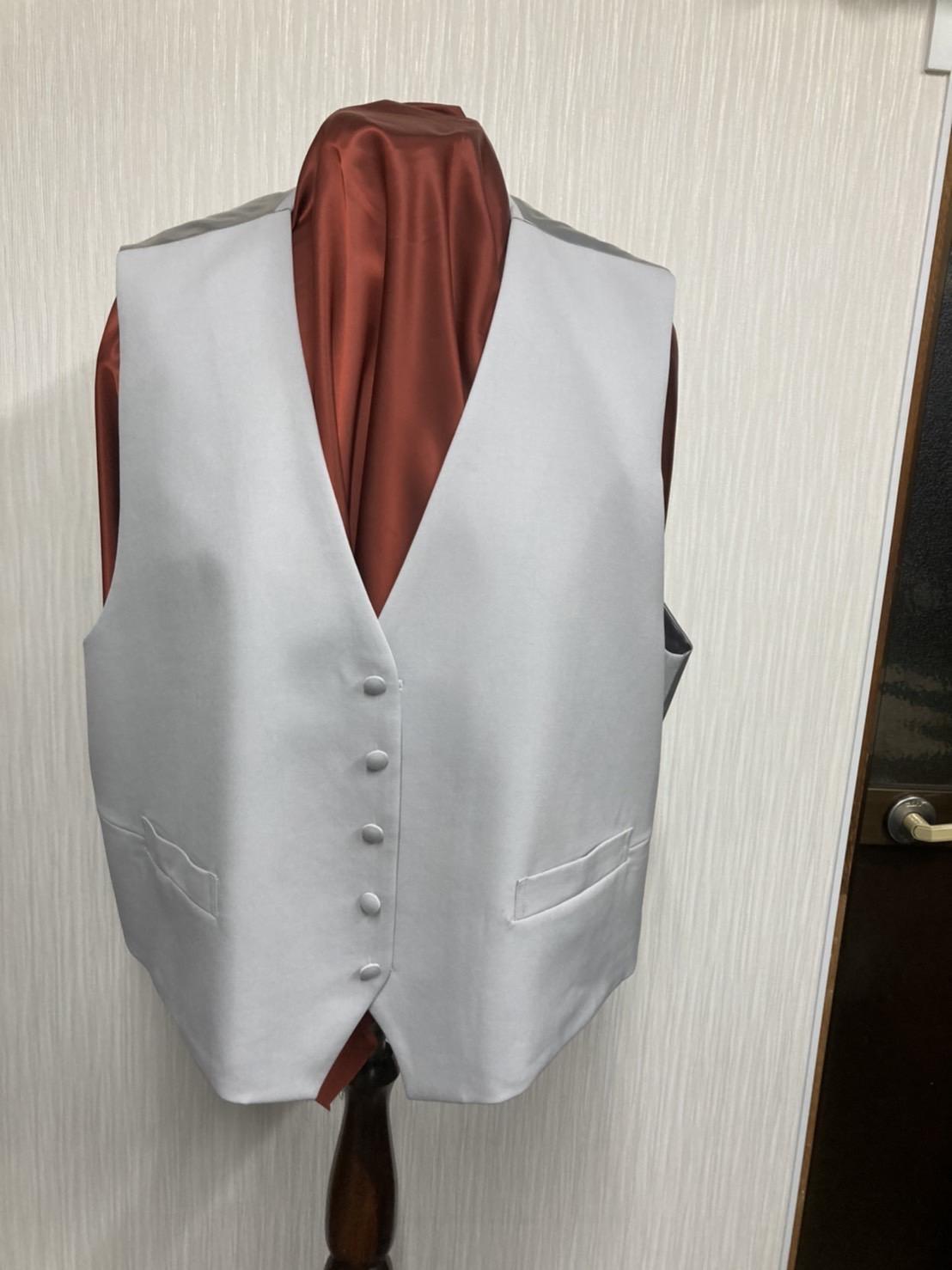 格式の高さはシルエットと素材で決まるモーニングコート
